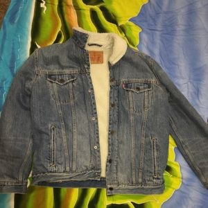 Jean jacket with fur